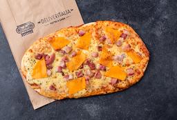 Pizza Cheddar e Pancetta Affumicata