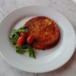 Provoleta a la Leña con Tomates Confitados