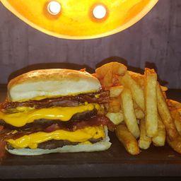 Burger Boom Doble & Fritas
