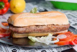 Sandwich de Chorizo Gigante con Papas Fritas