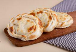 Empanada de Cebolla y Mozzarella
