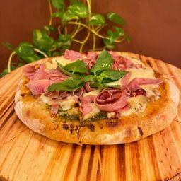 1 Pizza a Eleccion y 1/2 kg de Helado