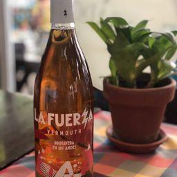 """Botella """" la FUERZA"""" 750 ml ROSADO"""