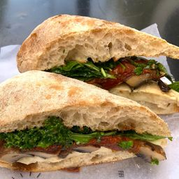 Sándwich de Mozzarella en Ciabatta de Mm
