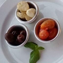 Boconccinos con Tomate Cherry y Olivas