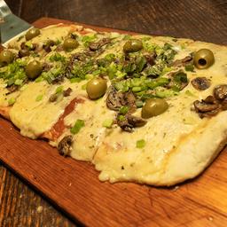 Pizza Champignones y Verdeo