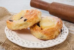 Roll de Crema Pastelera y Pasas de Uva