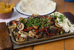 Tabla de Fajitas Vegetariana + Tacos de Pollo
