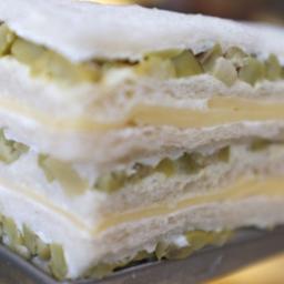 Sandwich de Miga de Queso y Aceituna