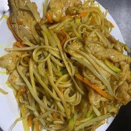 Chao Mian con Pollo