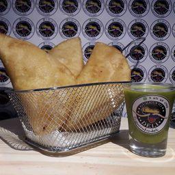 Combo 3 Empanadas & Salsa