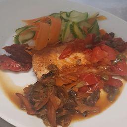 Salmone Del Pacífico In Padella