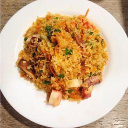 Chow Fan Picante con Marisco & Verduras