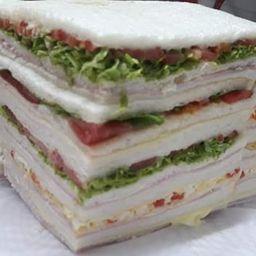 Sándwiches Triples de Tomate & Huevo x 12