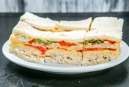Sándwich Especial Pollo A mi Nooo