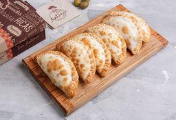 Docena de Empanadas + 2 de Regalo