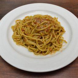 Spaghetti Pomodoro E Pesto Genovese