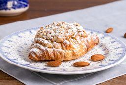Croissant con Crema de Almendras