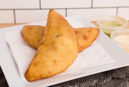 Empanada de Pollo con Tajada