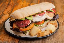 Alitas de Tofu + Sándwich Clásica Completa
