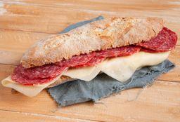 Sándwich de Salame & Queso + Bebida