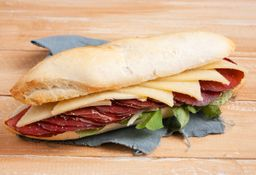 Sándwich Bresaola
