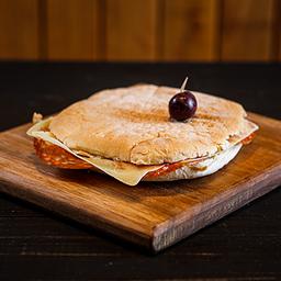 Sándwich de Cantimpalo & Queso