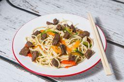 Wok Chow Mein de Carne