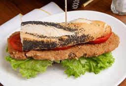 Sándwich de Milanesa con Lechuga & Tomate