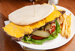 Sándwich de Lomito Cheddar