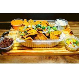Nachos con 4 Salsas