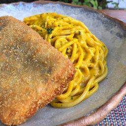 Milanesa de Pescado con Pasta