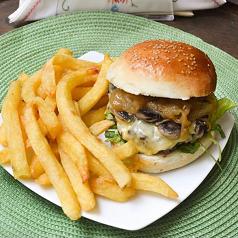 Mushroom Burger con Papas