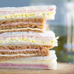 Sándwich de Miga de Ananá y Jamón