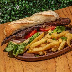 Sándwich Bife de Chorizo Completo