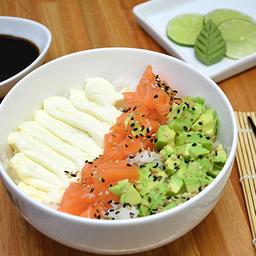 Chirashi Salad Salmon & Bebida