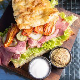 Sándwich de Tapa