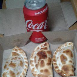 Combo 3 Empanadas con Bebida Lata 354ml