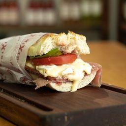 Sandwich de Crudo y Stella 473ml
