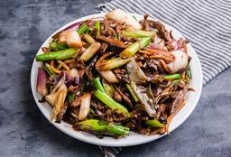 Carne con Hongos y Bambú Chino