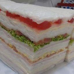 48 Sándwiches Triples Comunes Surtidos