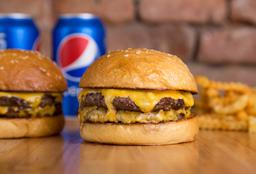 Combo - 2 Cheeseburger Doble + 2 Bebidas