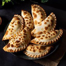 6 Empanadas Clásicas & 2 Empanadas DDL