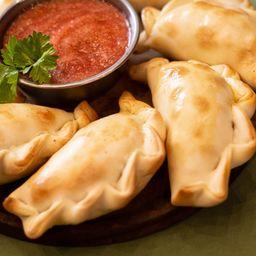 12 Empanadas de Chancho Ahumado