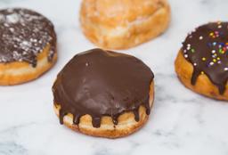 2 Donuts Rellenas + Dulce a Elección