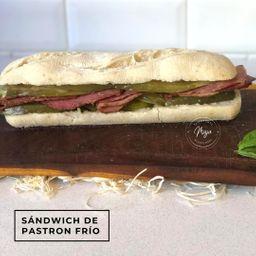 Sandwich Frío de Pastrón