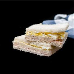 Sándwich Miga de Jamón y Huevo