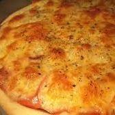 Pizza Muzzarella con Jamon