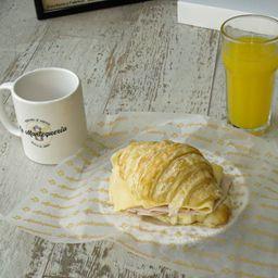 Croissant de J&Q & Café