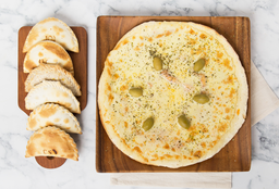 Pizza Muzzarella + 6  Empanadas